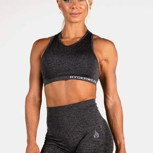 Seamless Sports bra with padding and inserts